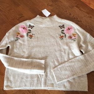 Cloud Chaser mock neck embroidered sweater L